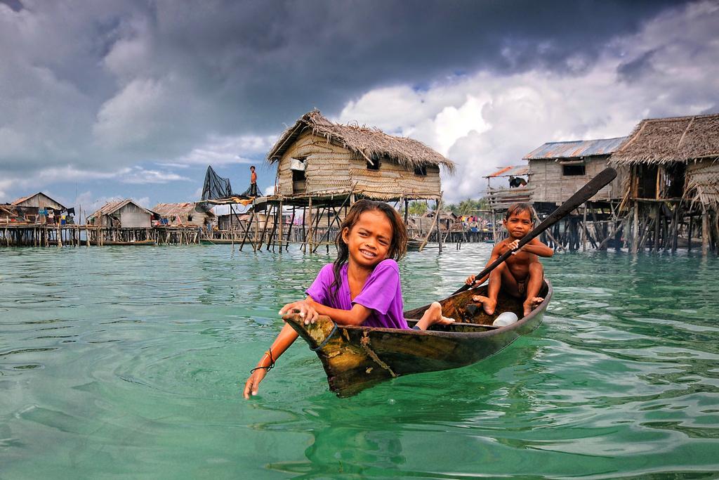 omg-facts-village-on-sea-from-past-1300-समुद्र में तैर रहा है यह गाँव