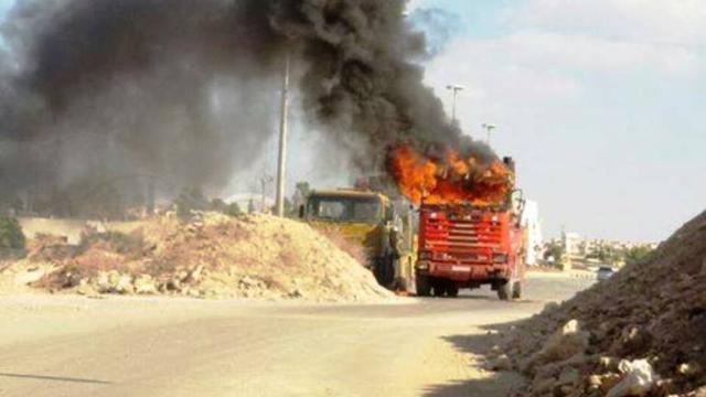 وحدات الحماية الكردية .. قتل مدنيين واستهداف طريق حلب وتهديد بالتعاون مع جيش النظام